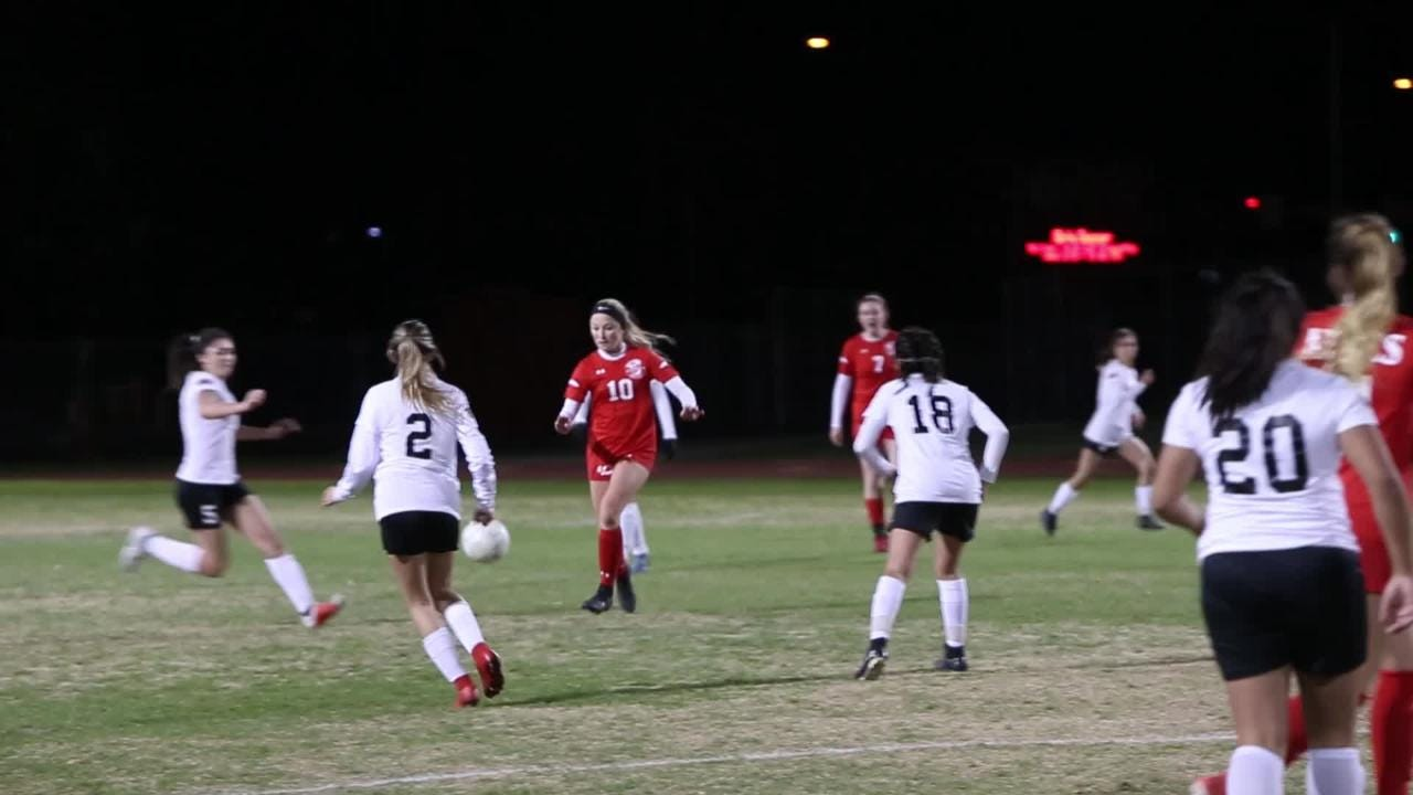 Palm Desert girls' soccer beats AB Miller 5-1 in Division 4 playoff opener