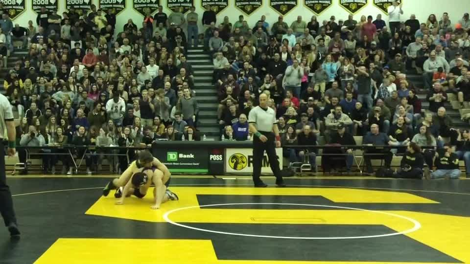 Nicholas Pepe's 9-3 win over Paul Jakub was a key turning point in Southern's 30-28 win over Howell in the NJSIAA South Group V championship match