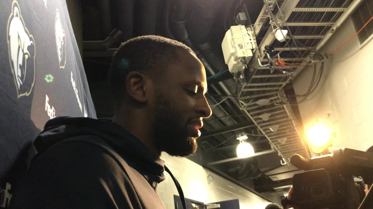 Newly acquired veteran 3-point shooter CJ Miles introduced himself to Memphis Grizzlies fans on Saturday.