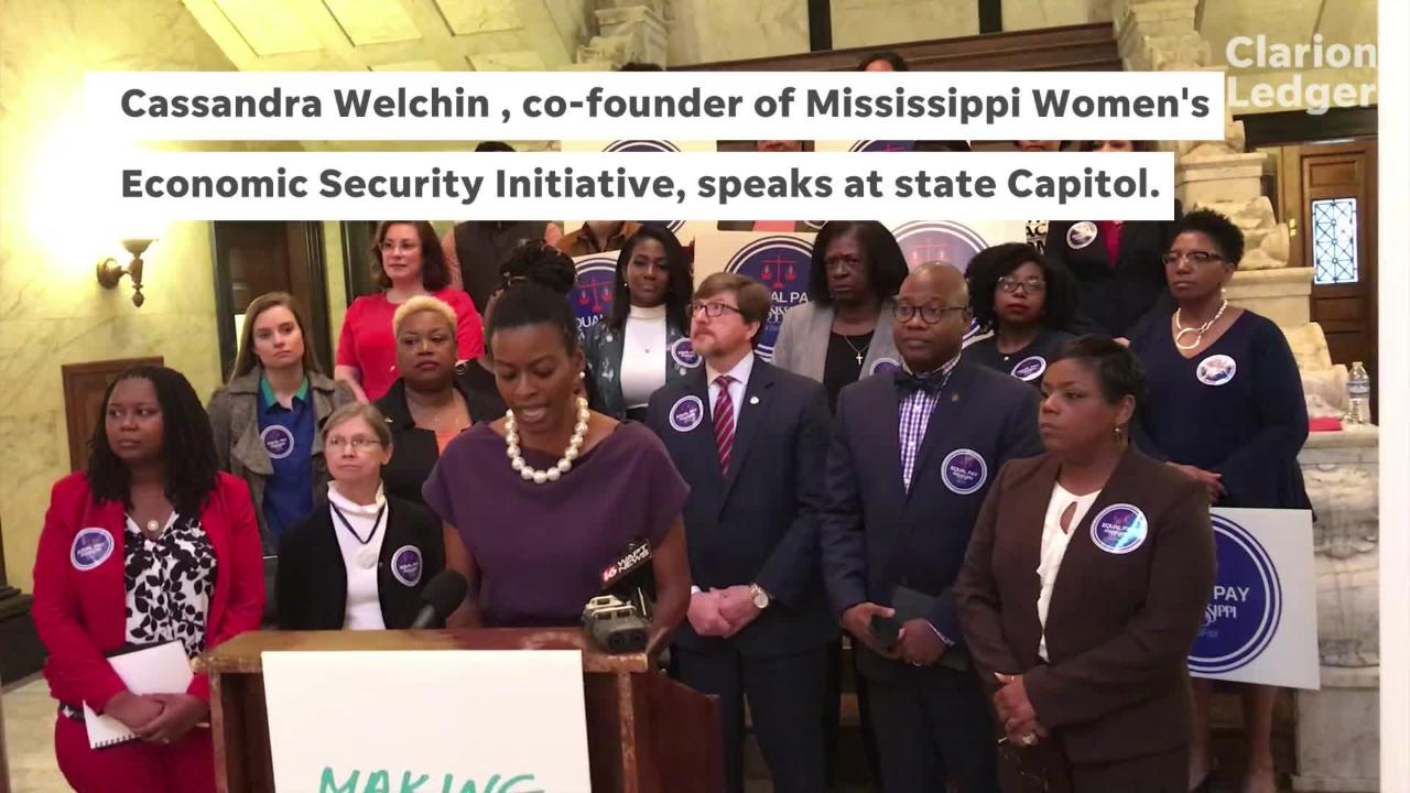Cassandra Welchin speaks in support of equal pay for women.