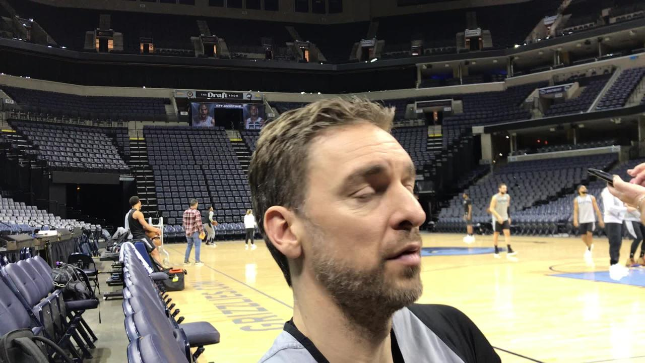 Spurs forward Pau Gasol discussed his brother Marc's trade from the Memphis Grizzlies to the Toronto Raptors.