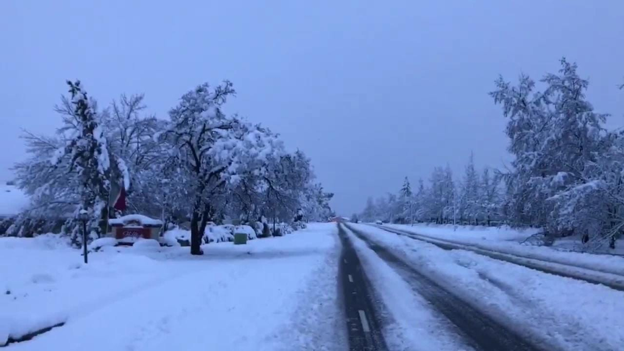 Power was out Wednesday morning on Hilltop Drive, turning off traffic lights, after 13 inches of snow fell on Redding overnight.