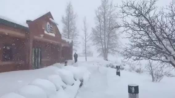 Arizona storm updates: Snow totals approaching record levels; More than 23 inches in Flagstaff