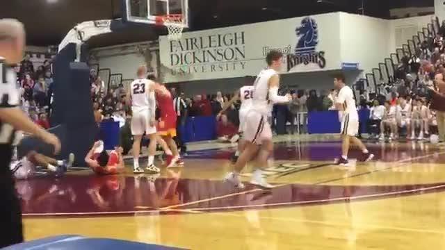 Zach Freemantle made his second straight basket as Bergen Catholic battles Don Bosco in the Bergen County Jamboree final.