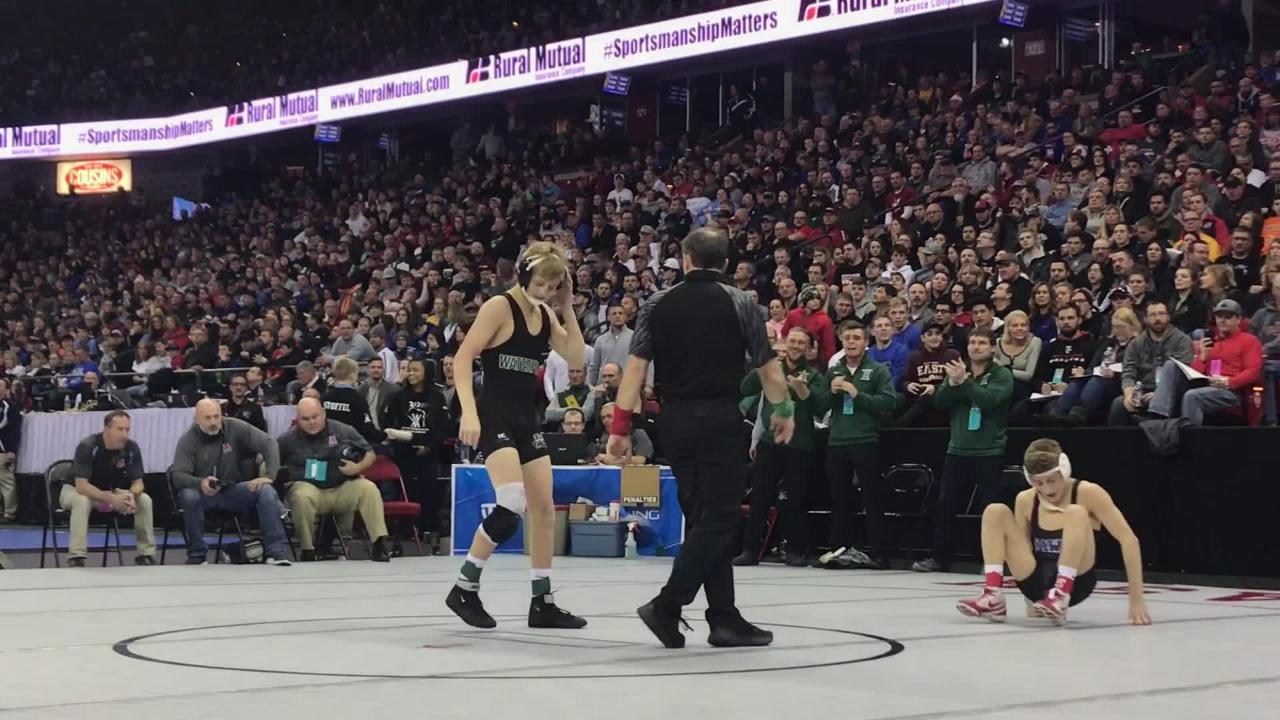 The defending state champion earned a spot in the state title match on Saturday, two weeks after his season-ending suspension was overturned in court