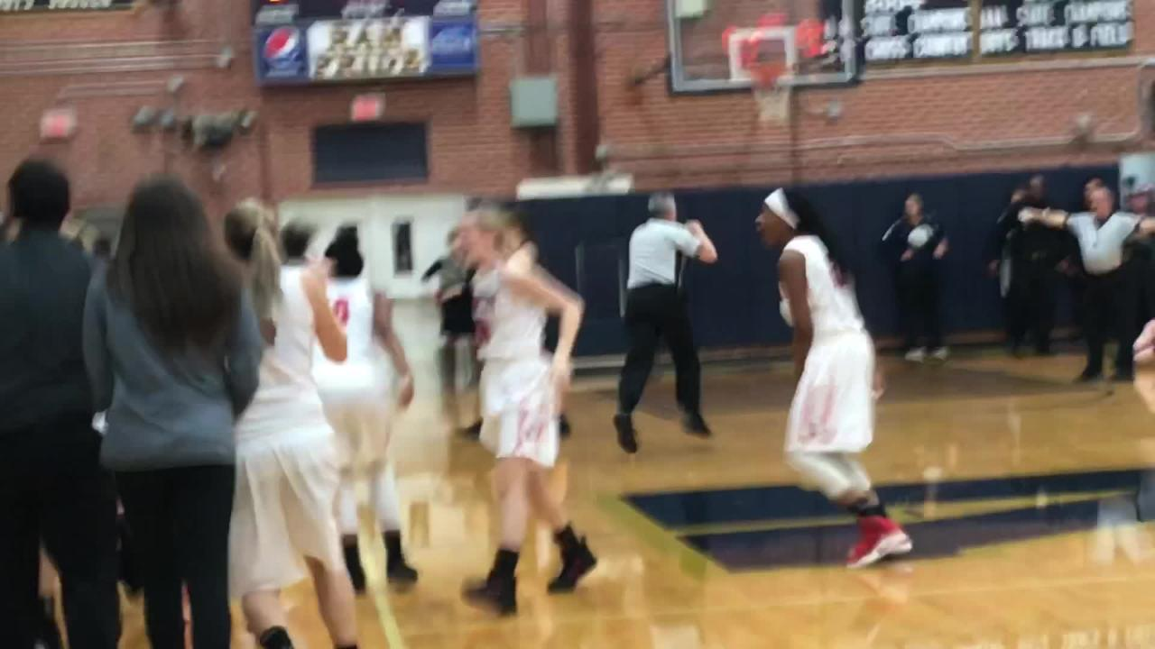 Watch the final seconds of the WMAC girls championship as Erwin defeats Asheville 43-42.