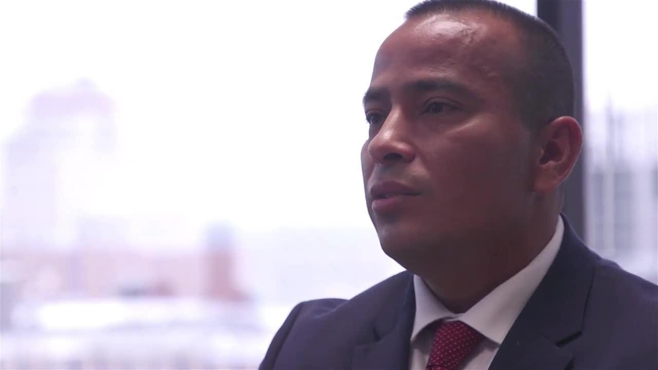 Segmento noticioso de La Voz en Univisión arizona, con Elvia Díaz.