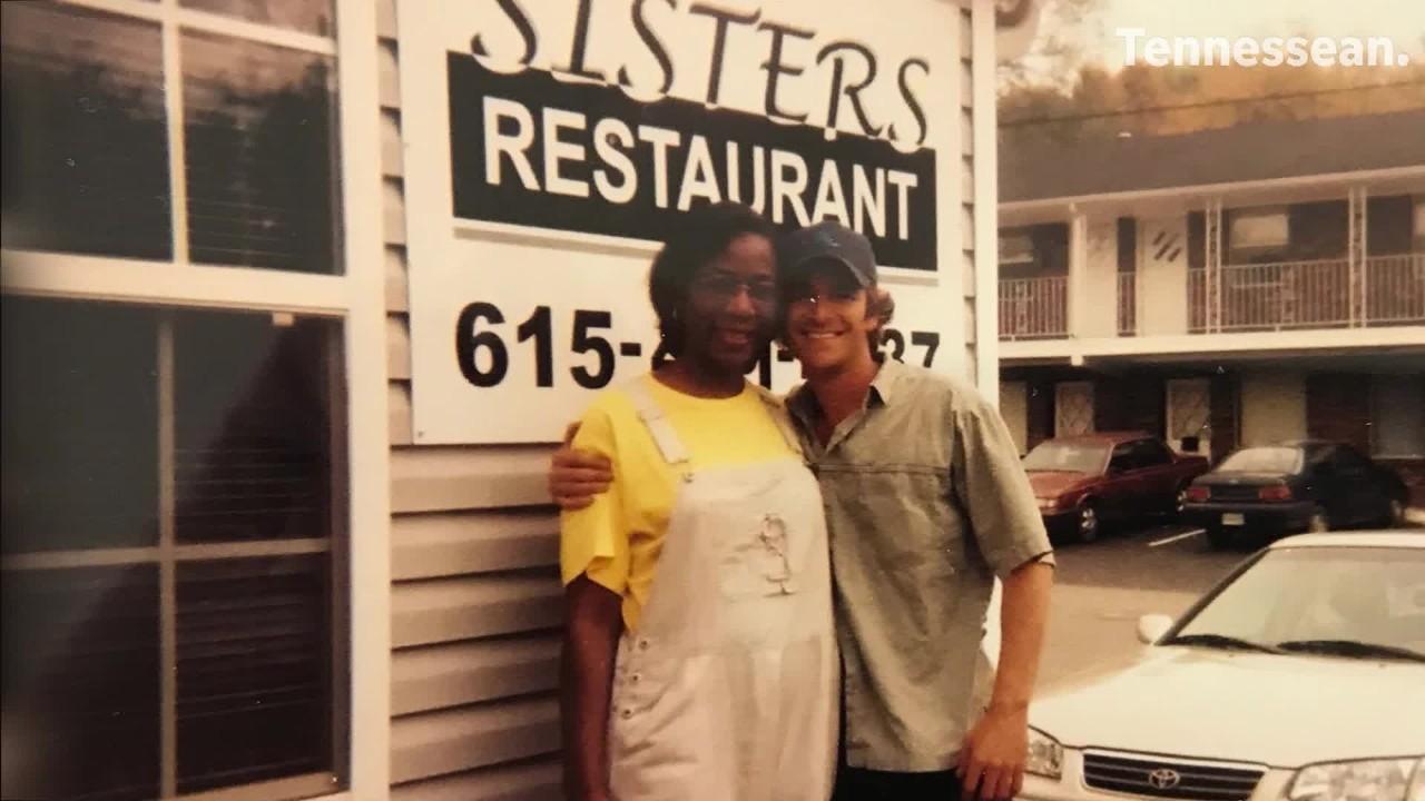 Luke Perry: Part-time Dickson Co  resident, Sisters Restaurant fan