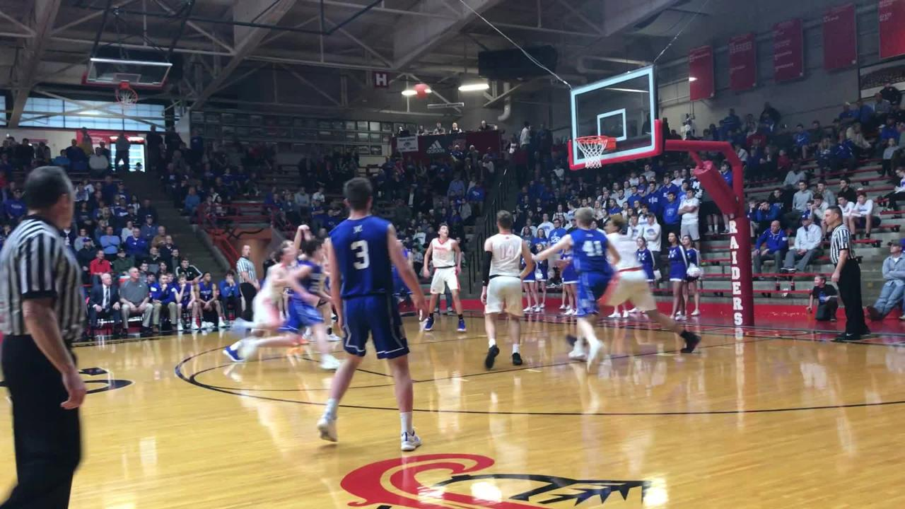 Cade Graham's tip was a rare highlight in Memorial's Class 3A regional loss