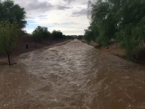 Wash floods in San Tan Valley