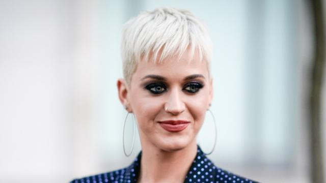 Katy Perry Takes On Hosting Gig For MTV
