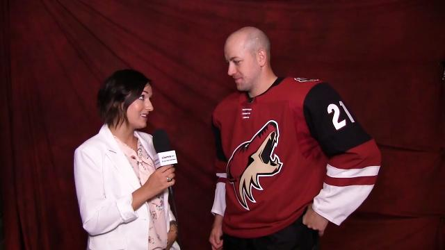 Sarah McLellan interviews new Arizona Coyotes forward Derek Stepan