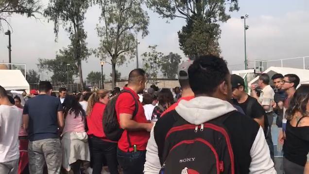 Voluntarios se unen para ayudar