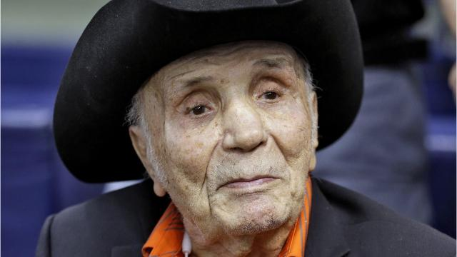 'Raging Bull' boxer Jake LaMotta dies at 95