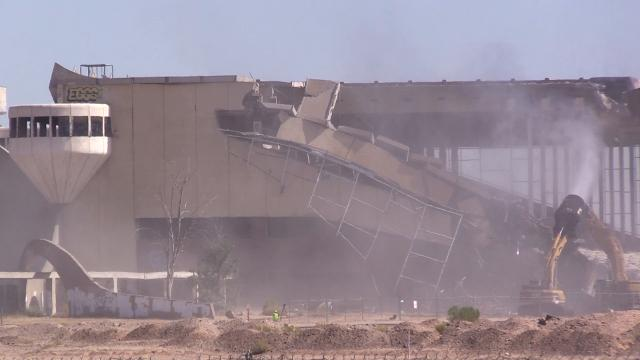 Phoenix Trotting Park demolition begins