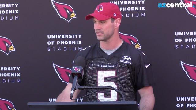 Cardinals quarterback Drew Stanton discusses advice from Carson Palmer and facing the Seahawks this week after Monday's practice.  Johanna Huckeba/azcentral sports