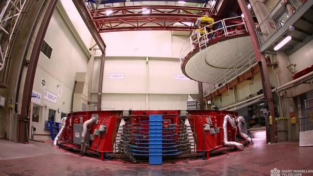 University of Arizona has the world's only lab capable of manufacturing 27-foot mirrors for what will be the world's largest telescope, the Giant Magellan Telescope.