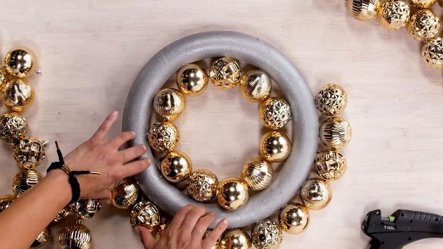 Christmas Diy Ornament Wreath