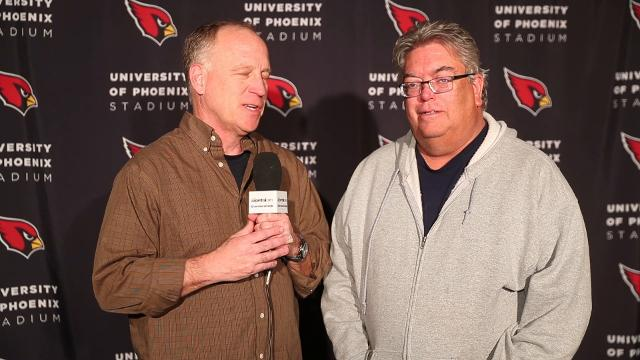 Kent Somers and Bob McManaman react to the new of head coach Bruce Arians' retirement. Michael Chow/azcentral sports