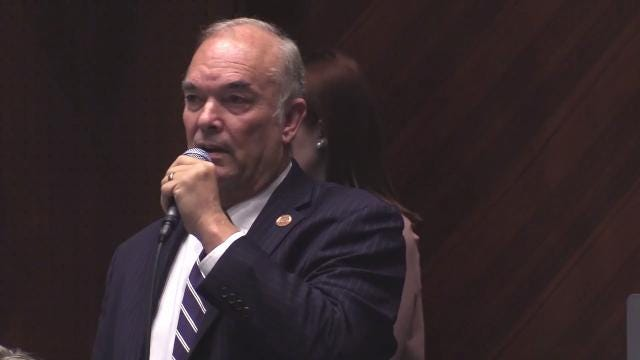 Rep. Don Shooter speaks to the Arizona House during a House vote on whether to remove him from office following the release of a report detailing allegations of sexual harassment and inappropriate behavior at the Capitol. Carly Henry/azcentral.com