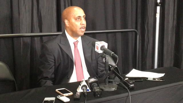 Acting Arizona coach Lorenzo Romar on handling difficult situation amid off-court drama.