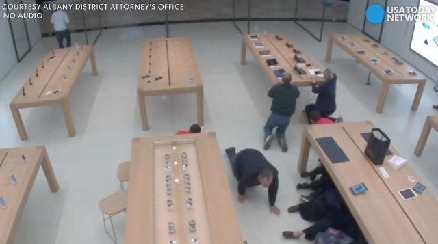 Shots fired near New York Apple store
