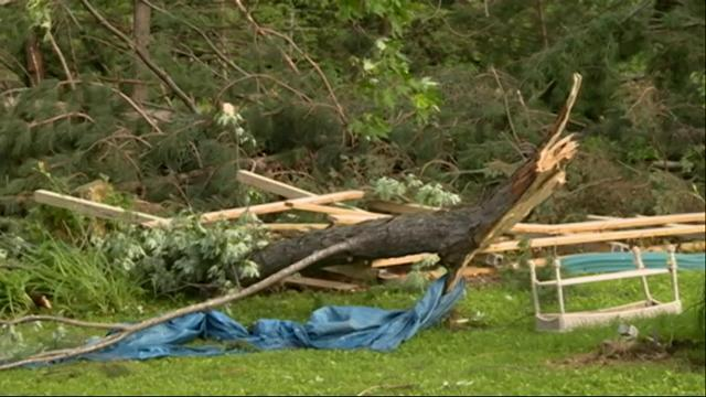 Weather Service Surveys Wisc. Tornado Damage