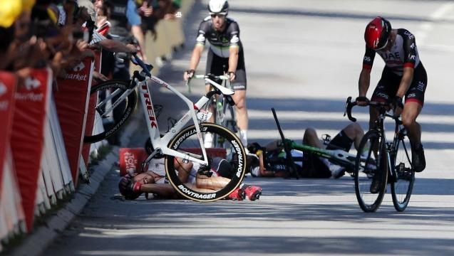 Peter Sagan disqualified after crash at Tour de France