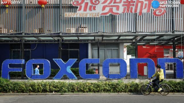 Foxconn plans to build $10 billion plant in Wisconsin