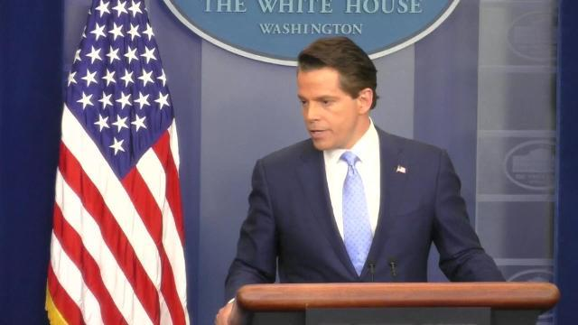 Scaramucci blasts 'senior leakers' and threatens to call FBI