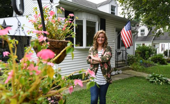 Millennials move in with mom and dad to save for a new home.