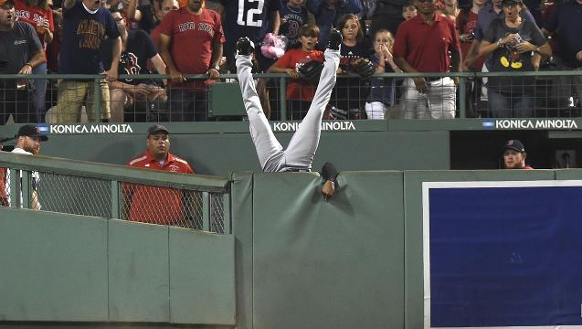 Austin Jackson's ridiculous catch could be the best of the year