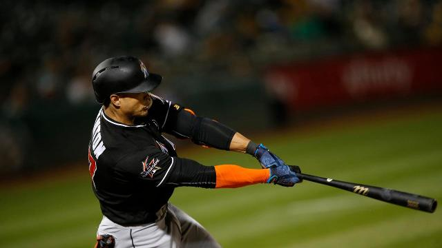 Marlins Slugger Giancarlo Stanton Hits Two Homers vs Braves, Leads MLB With  35 HR