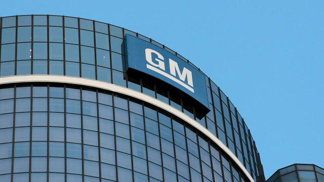 General Motors recalls 800,000 trucks