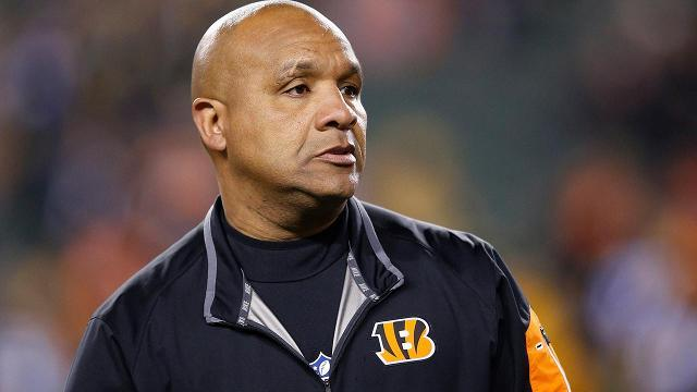Hue Jackson prefers to have Browns not protest