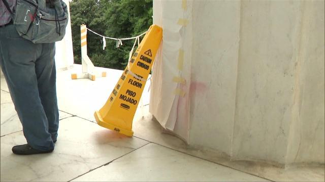 Lincoln Memorial vandalized with graffiti