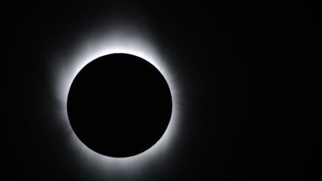 3 nonscientific reasons everyone is 'geeking out' over the eclipse
