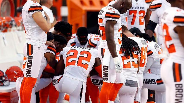 Group of Browns players kneel during National Anthem