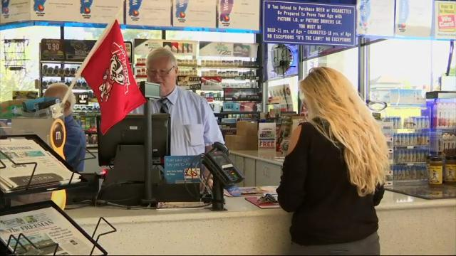 Wis. gas station flooded with Powerball hopefuls
