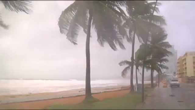 Hurricane Irma lashes Puerto Rico
