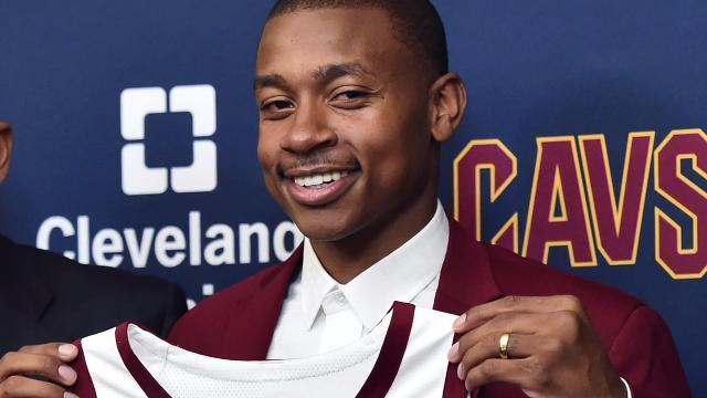 Cavaliers mum about Isaiah Thomas' injury during news conference