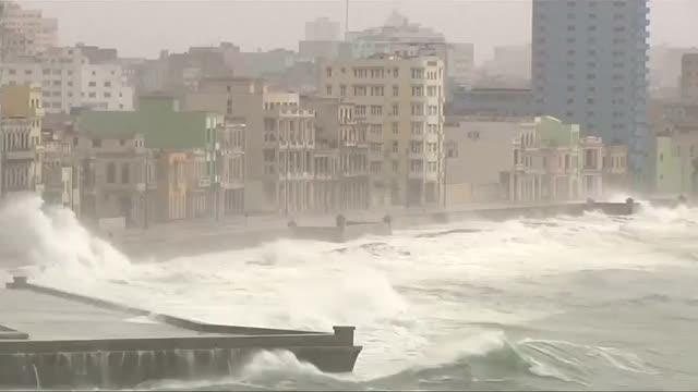 Hurricane Irma lashes Cuba