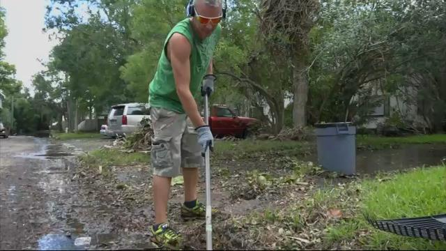 Jacksonville Residents Sift Through Irma's Muck