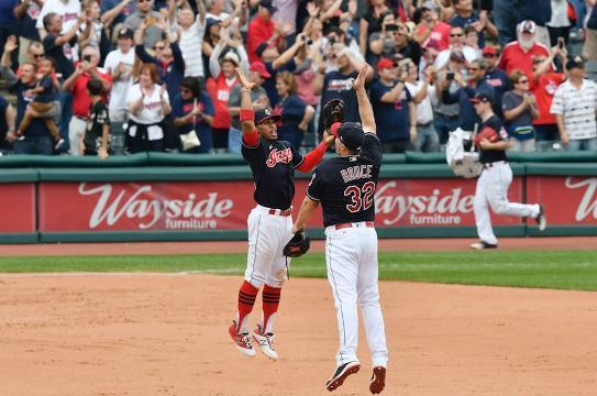 Indians make history with 21st consecutive win