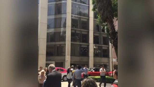 Video captures quake as it hits Mexico City