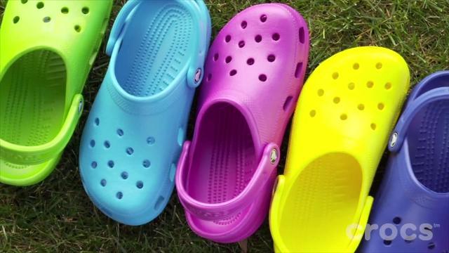 f2138e1f6 Crocs closing its last manufacturing plant