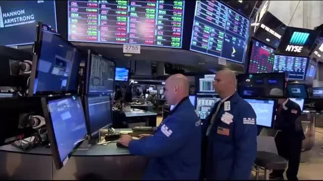 Apple drags down Wall Street