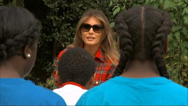 First Lady plants, harvests in WH garden