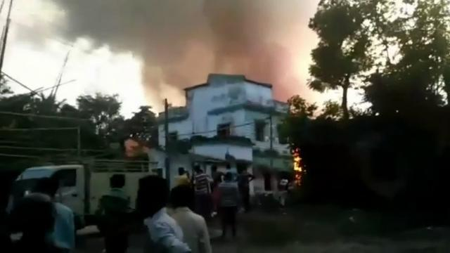 8 dead in India fireworks explosion