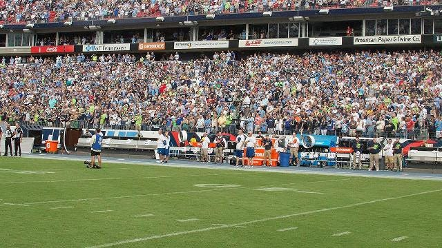 NFL won't discipline teams that skipped Anthem